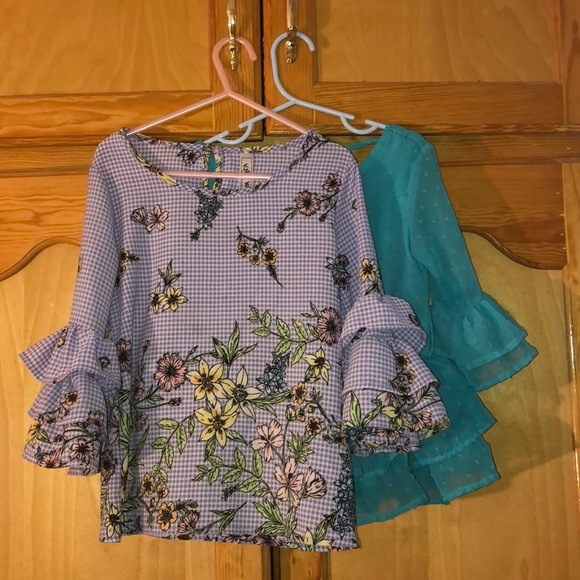 Other - 3/$20 Pretty flare tops 💝